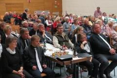 Interessiertes Publikum in der  Altenstadthalle